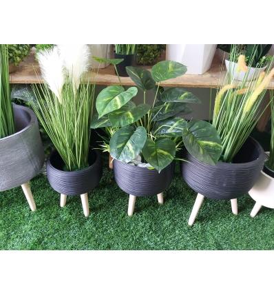כד בטון שחור כולל צמחיה ומילוי
